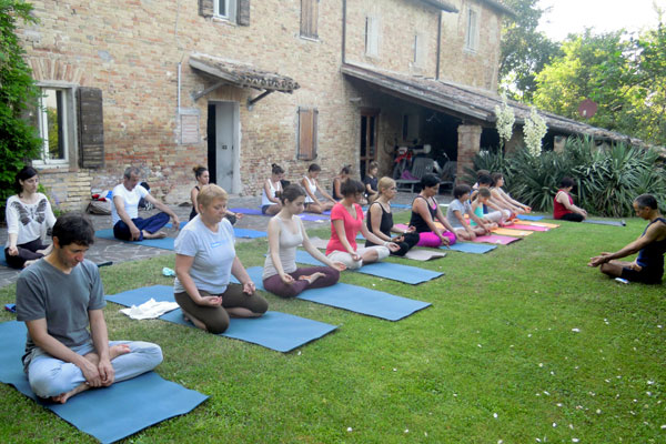 YOGA RETREAT IN COUNTRY HOUSE