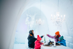 snowman-world-ice-restaurant-santa-claus-village-rovaniemi-lapland-finland (7)